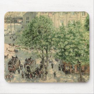 Place du Theatre-Francais, Spring, 1898 Mouse Pad