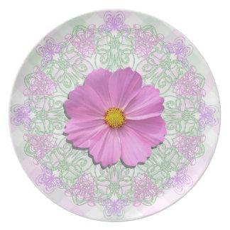 Plate - Medium Pink Cosmos on Lace & Lattice