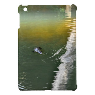 PLATYPUS IN WATER EUNGELLA NATIONAL PARK AUSTRALIA iPad MINI COVER