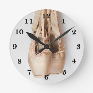 Pointe Shoes Round Clock