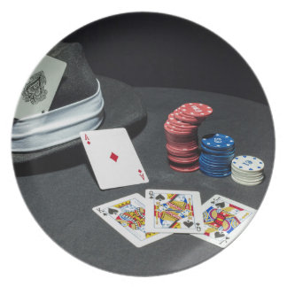 Poker cards gangster hat plate