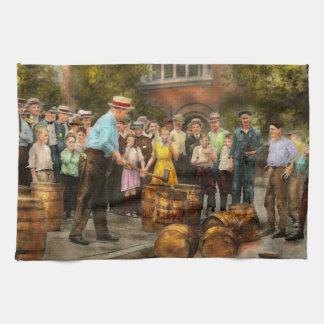 Police - Prohibition - A smashing good time 1921 Tea Towel