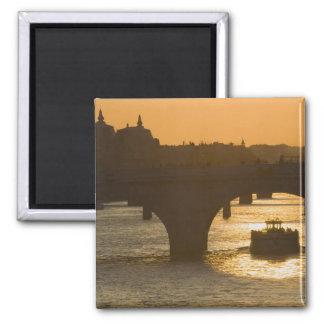 Pont Neuf, Seine, sunset, Paris, FranceMusee Magnet