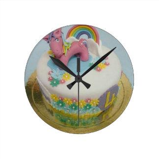 Pony cake 1 round clock