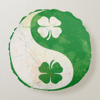 Popular Irish Shamrocks Yin Yang Round Cushion
