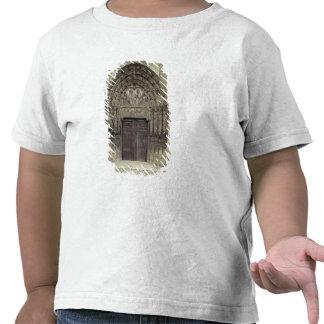 Portal and surrounding sculptures with biblical fi tee shirts