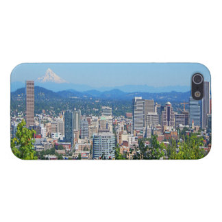 Portland Skyline Mount Hood iPhone 5 Case