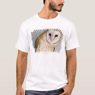 Portrait of barn owl (Tyto alba). T-Shirt