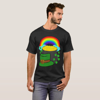 Pot Of Gold Hat And Rainbow Clover St Patrick's T-Shirt