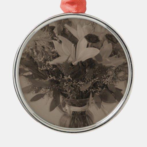 Premium Round Ornament -Vintage Bouquet
