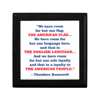 PRES26 ONE FLAG SMALL SQUARE GIFT BOX