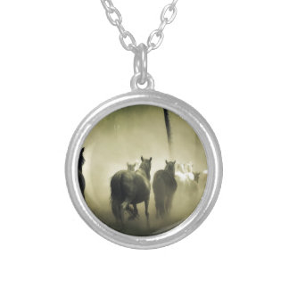 PRETTY LOOKING HORSES SILVER PLATED NECKLACE