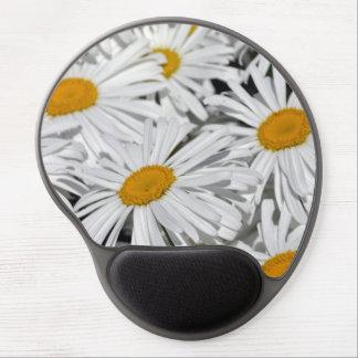 Pretty white daisies gel mousepad