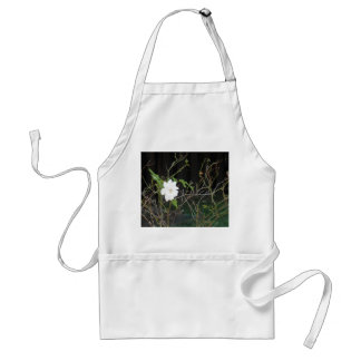 Pretty White Rose Standard Apron