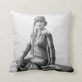 Pretty Woman 1920s Fashion Throw Cushion