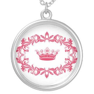 princess round pendant necklace