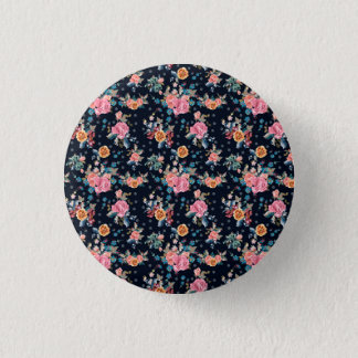 Print with roses in vintage pretty style 3 cm round badge