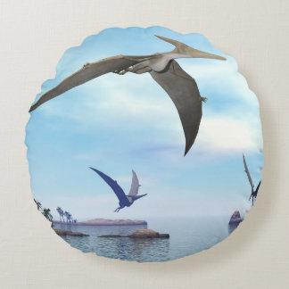 Pteranodon dinosaurs flying - 3D render Round Cushion