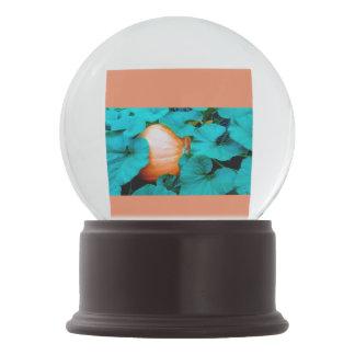 Pumpkin globe snow globe