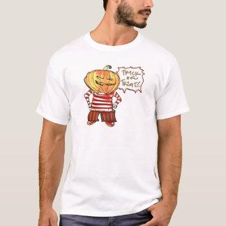 pumpkin head kid say trick or treat halloween T-Shirt