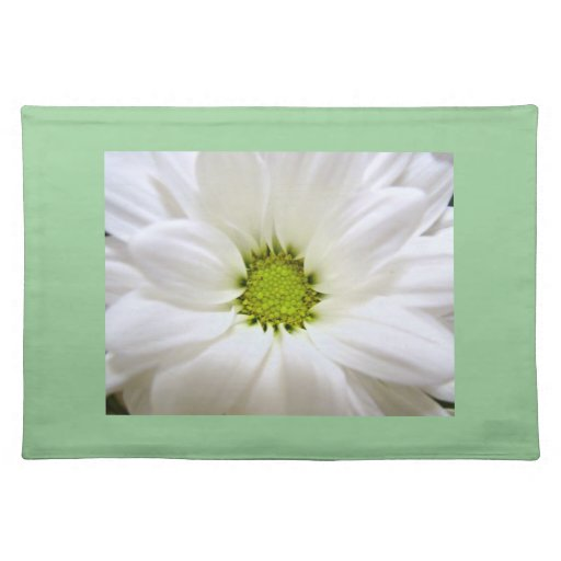 pure white daisy flower place mat