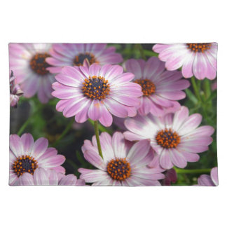 Purple and white osteospermum flowers place mat