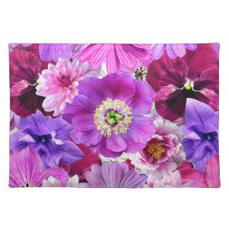 Purple flowers placemat