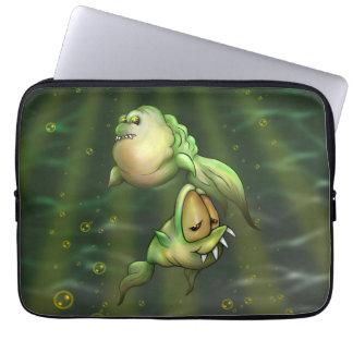 """PYROS FISH ALIENS Electronics Bag 13"""" Laptop Sleeves"""