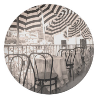 Quaint restaurant balcony, Italy Plate