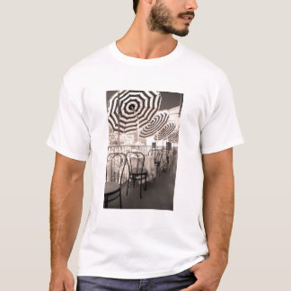 Quaint restaurant balcony, Italy T-Shirt