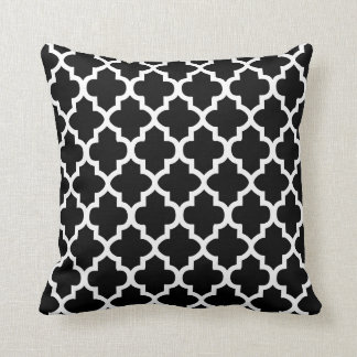 Quatrefoil Black and White Clover Pattern Throw Pillow