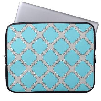 Quatrefoil blue and gray laptop sleeve