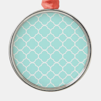 Quatrefoil Pattern Design Silver-Colored Round Decoration