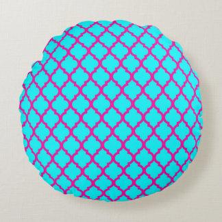 QUATREFOIL PATTERN PILLOW, Cyan Blue & Hot Pink Round Cushion