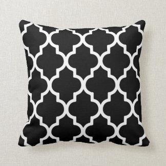 Quatrefoil Pillow / Black and White Throw Cushion