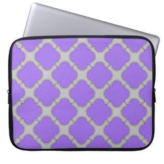 Quatrefoil purple and gray laptop sleeve