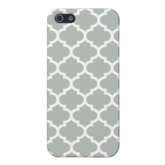 Quatrefoil Silver Gray iPhone 5 Cover