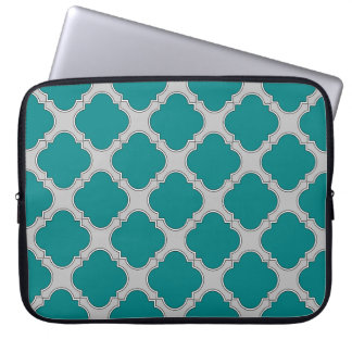 Quatrefoil teal and gray laptop sleeve