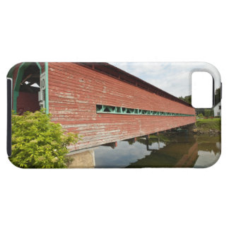 Quebec, Canada. Galipeault covered bridge in iPhone 5 Cases
