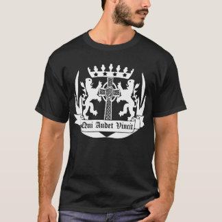 Qui audet vincit. who Dares Wins T-Shirt