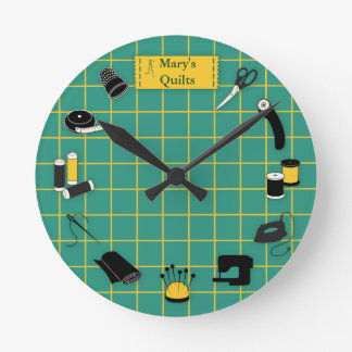 Quilt Time Customize the Label Round Clock