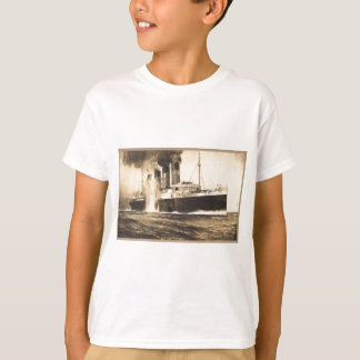 R.M.S. Lusitania Hit by Torpedos off Kinsale Head T-Shirt