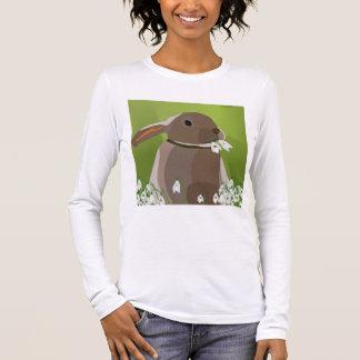 Rabbit eating snowdrops long sleeve T-Shirt
