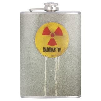 radioactively contaminates hip flask