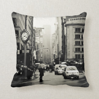 Rain in New York City - Vintage Style Cushion