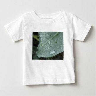 Raindrops on cauliflower leaves baby T-Shirt