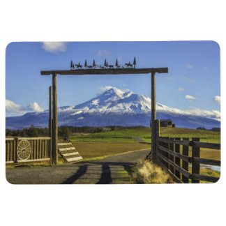 RANCH VIEW OF MOUNT SHASTA FLOOR MAT