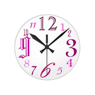 Random (pink) round clock