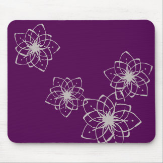 < Rapping it comes and dyes the snowflakes >Flower Mouse Pad