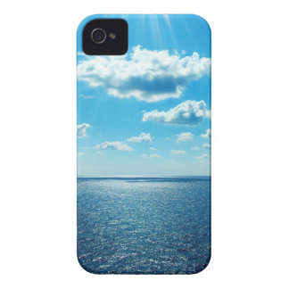 Rays over the Sea iPhone 4 Cover